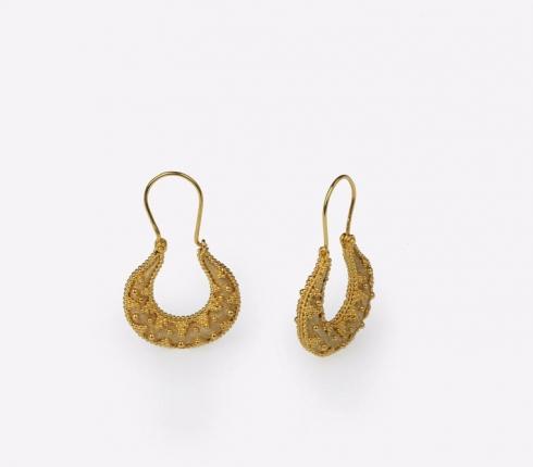068. earrings