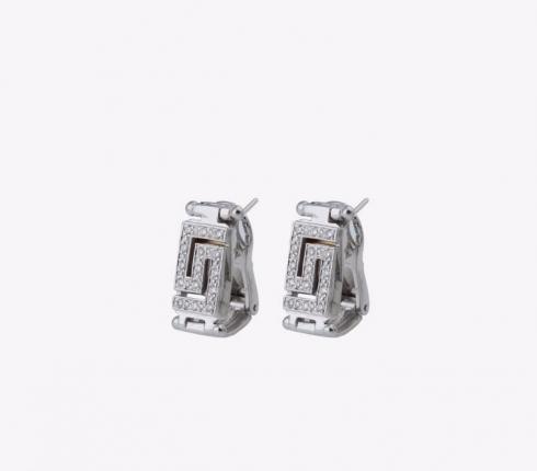 1006. earrings
