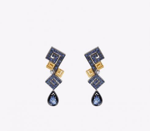 1007. earrings