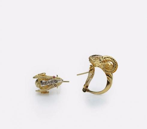 7015. earrings