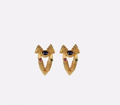 7022. earrings