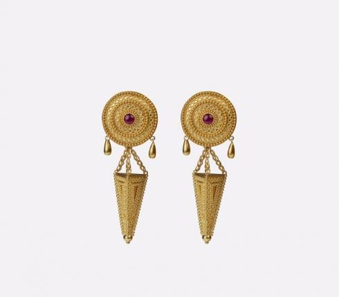 7033. earrings