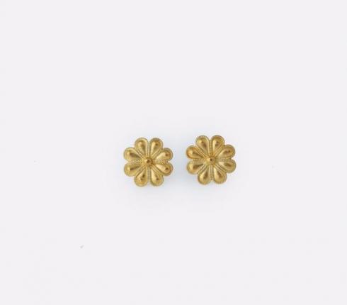 7037. earrings