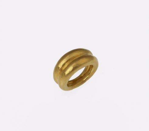 7042. ring